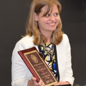 Dr. Tracie Prater receives College of Science Award